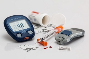 Global Review Confirms Diabetes Elevates Cancer Risk, Especially in Women